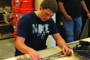 Sophomore Parker Nash begins a clay project in Cermincs on Wednesday, Sept. 19.