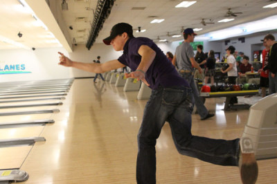 Bowling team participates in state competition