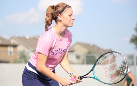 Girls tennis team wins dual against Blue Valley Southwest