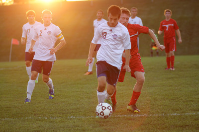 Boys soccer defeats Lansing 5-0