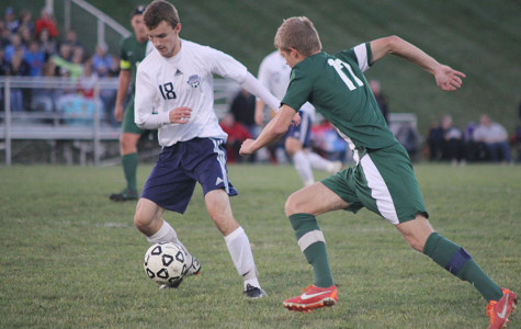 Boys soccer season ends with loss to Blue Valley Southwest