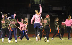 Seniors defeat juniors in annual powderpuff football game