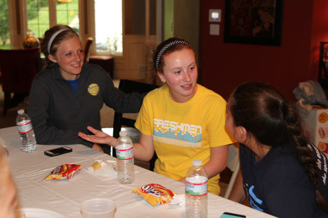 Tennis team welcomes new members with bonding and a goal of unity