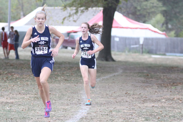 Cross country runners partake in friendly competition