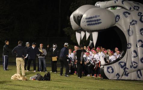 Seniors defeat juniors in annual Powder Puff football game