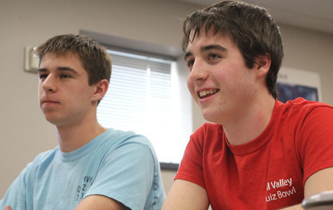 Quiz Bowl wins regionals, qualifying for state