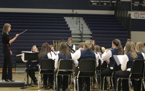 Band performs spring concert