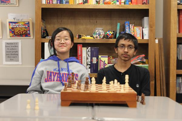 Voyager students play chess to relieve stress