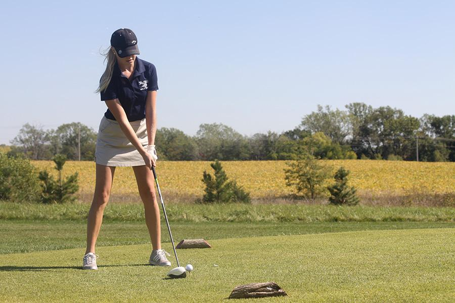 The+girls+golf+team+traveled+to+Falcon+Lakes+golf+course+on+Thursday%2C+Oct.+10.