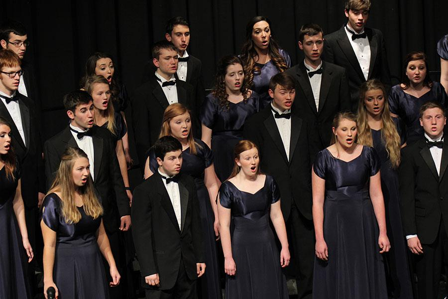Choir+members+participate+in+their+annual+Holiday+concert+on++Thursday%2C+Dec.+5.