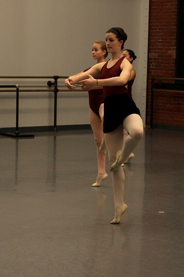 Sophomore+Virginia+Smith+focuses+on+her+form+during+a+dance+rehearsal+on+Friday%2C+Dec.+6.+