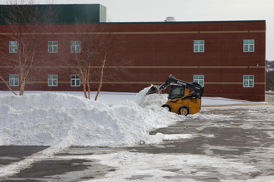 A+winter+storm+on+Tuesday%2C+Feb.+4+resulted+in+three+consecutive+snow+days+for+students+as+well+as+10.5+inches+of+snow+in+the+area.+