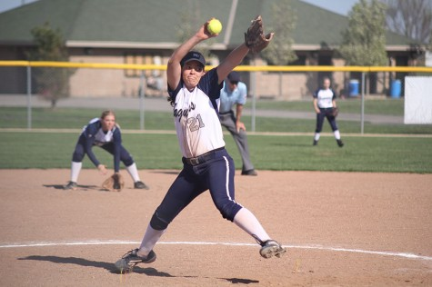 Softball sweeps Piper in double header