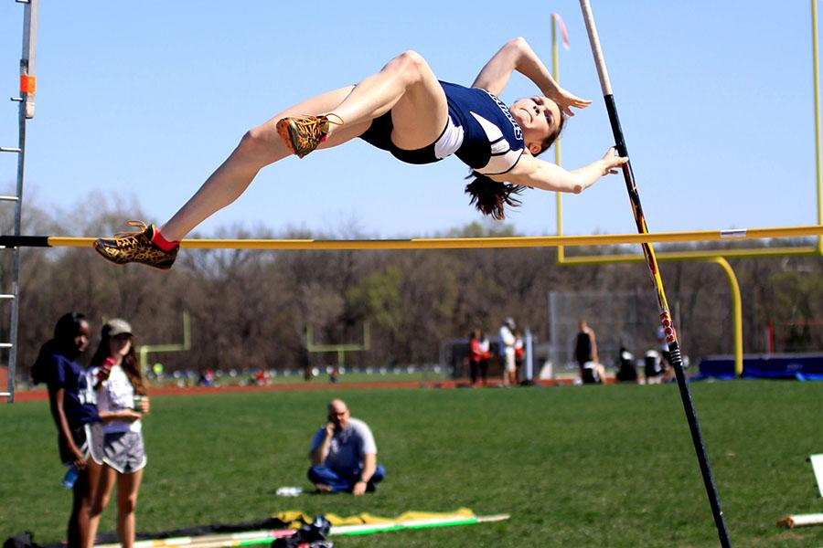 Junior+Cassi+Benson+placed+7th+overall++in+the+pole+vault+event+at+the+Jaguar+Invitational+on+Friday%2C+April++11.+
