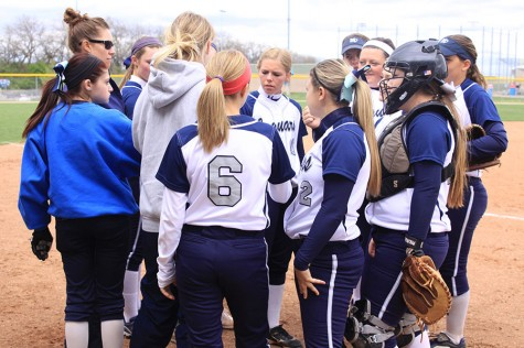 Softball team sweeps Turner