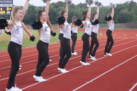 Cheerleaders earn two rating at competition