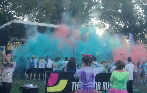 Mill Valley students participate in the Saturday, Oct. 18 Color Run to provide people both healthiness and happiness. (Photo contributed by Michaela Dervin)