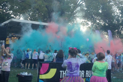 "Students participate in the ""Happiest 5k on the Planet"""