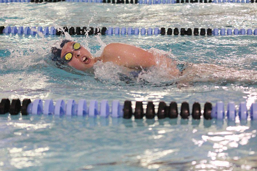 Swimming+the+freestyle%2C+sophomore+Jordan+Robinson+competes+in+an+invitational+at+Shawnee+Mission+East+on+Saturday%2C+April+23.+