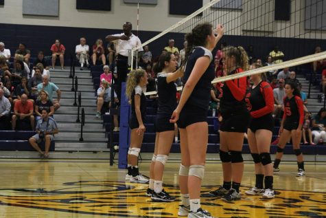 Volleyball claims victory over Shawnee Mission North in first match of the season