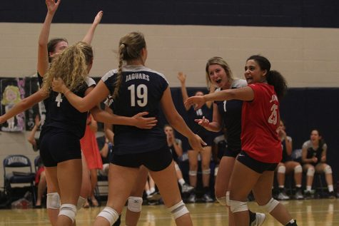 Volleyball falls to Aquinas at home