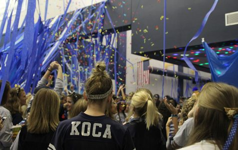 Senior class celebrates homecoming week with annual blue bomb