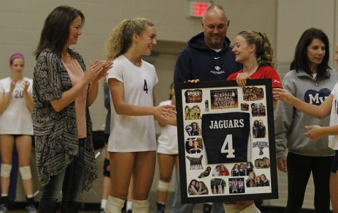 Volleyball defeats Olathe South on senior night