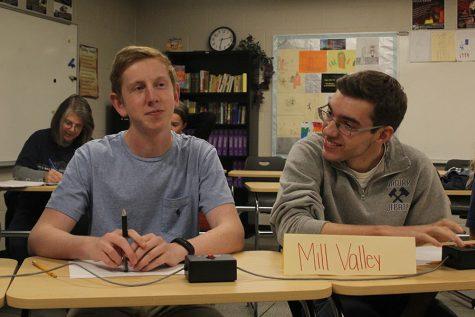 Quiz Bowl takes first at De Soto meet