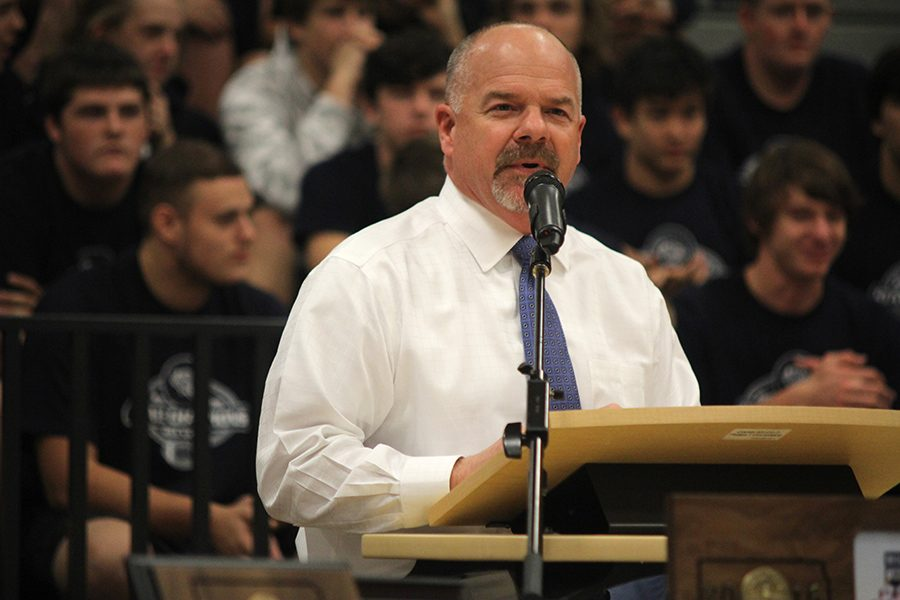 During+the+state+football+pep+assembly%2C+principal+Tobie+Waldeck+introduces+mayor+Michelle+Distler.