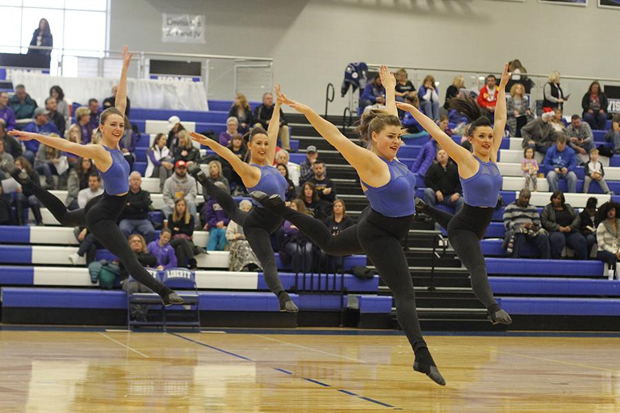 Senior+Silver+Stars+hit+their+jumps+simultaneously+during+the+senior+ensemble.