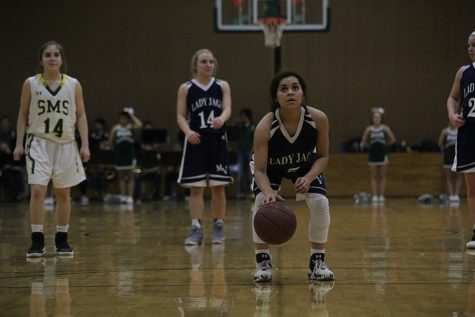 Girls basketball picks up win against Shawnee Mission South