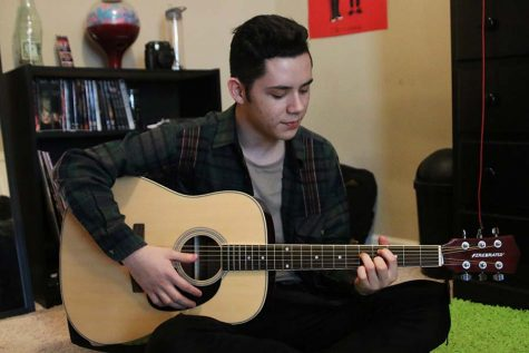 Sophomore Dominic Martinez shares passion of music through SoundCloud account