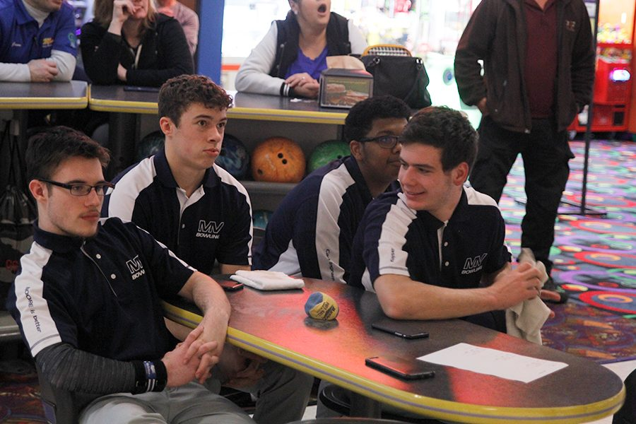The+bowling+team+has+grown+close+this+past+season.+%27It%27s+a+good+group+of+guys+and+this+year+has+been+a+lot+of+fun%2C%22+senior+Spencer+Butterfield+said.