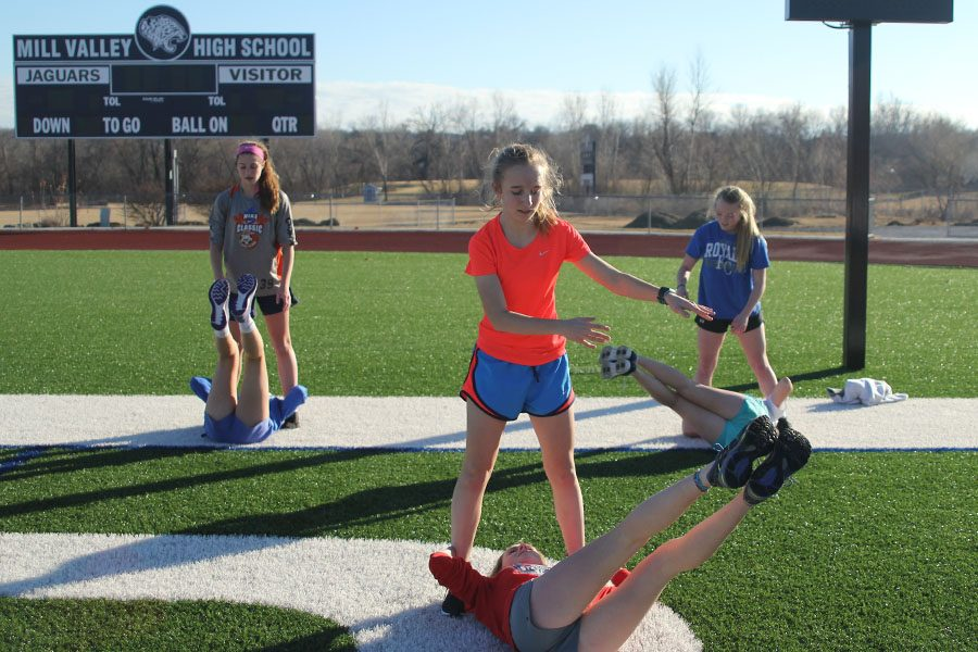 During+soccer+winter+training+freshman+Emerson+Kaiser+workout+with+freshman+Morgan+Kocas+on+Wednesday%2C+Jan.+18.+%22I+run+three+times+a+week+because+the+other+two+days+i%E2%80%99m+working+out+with+the+soccer+team.%22+Kaiser+said.