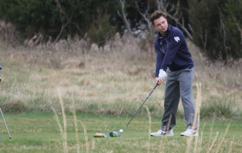 Boys golf finishes in eighth place at tournament