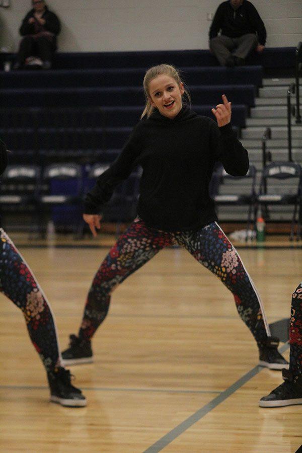 Sophomore+Bella+Line+performs+The+Silver+Stars+hip-hop+dance.