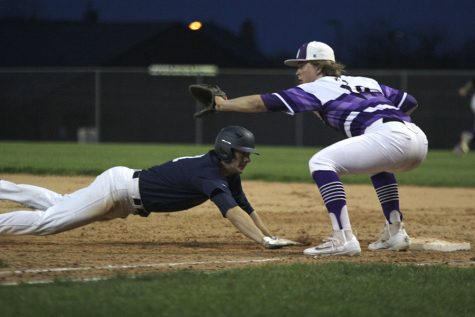 Baseball wins against Blue Valley North in last home game of season