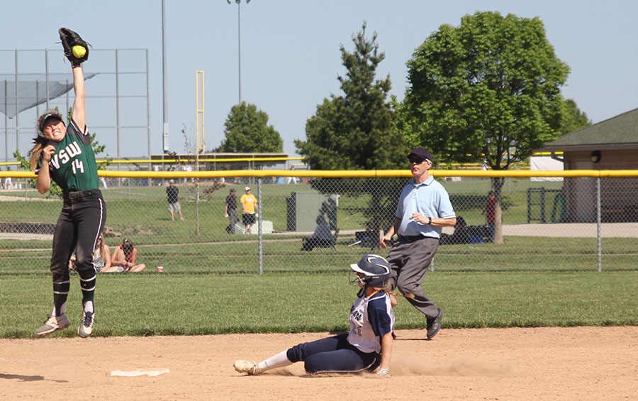 Junior+Peyton+Moeder+slides+into+second+base.