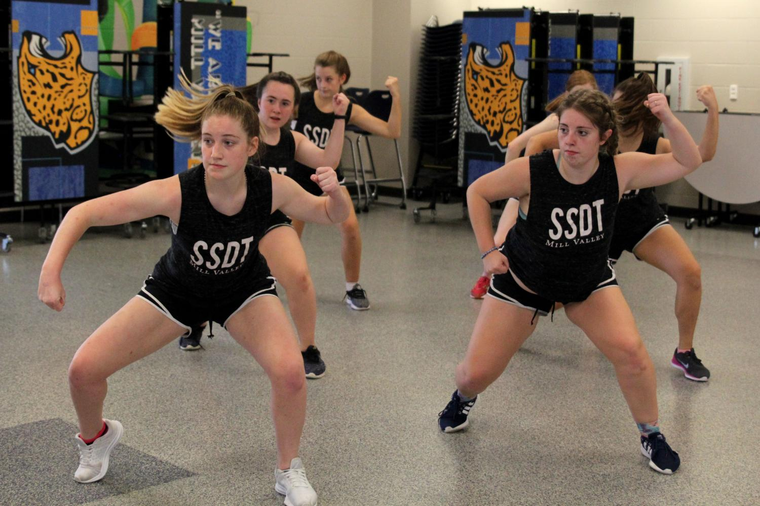 During+Blue+1+on+Wednesday%2C+Sept.+13%2C+seniors+Abby+Sutton+and+Emma+Barge+practice+the+hip-hop+routine.+
