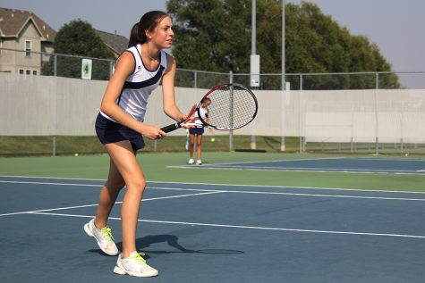 Girls tennis triumphs in dual against Saint James