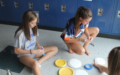 Students gear up for homecoming week by decorating school hallways