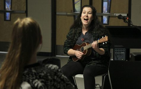 StuCo hosts open mic night for students to perform