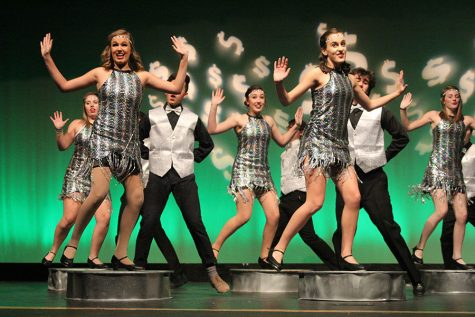 "Theatre department performs first tap musical since 2009, ""42nd Street"""