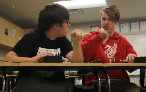 Quiz Bowl places sixth at De Soto meet