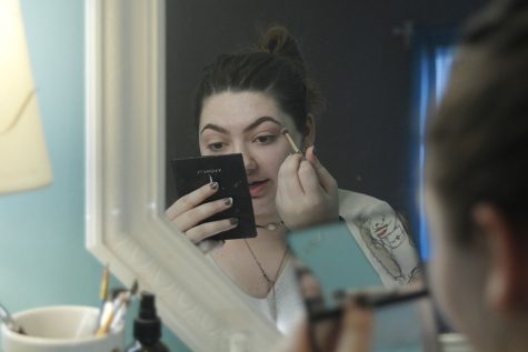 Sophomore Kara Poje finds enjoyment in weekly 'Fun Makeup Fridays'
