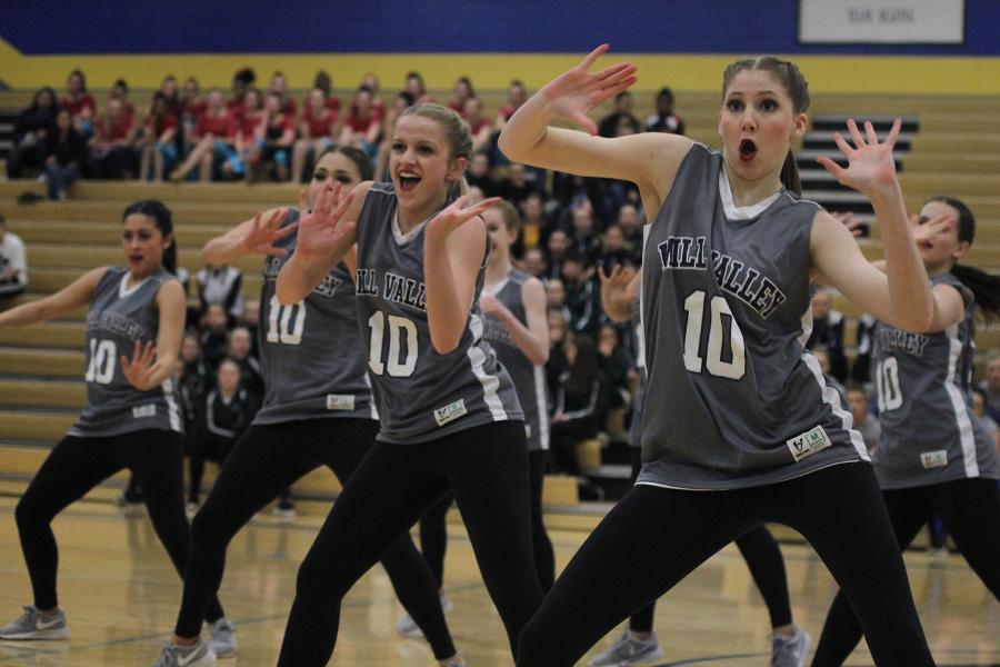 Hands+up%2C+junior+Addie+Ward+performs+the+hip+hop+routine+at+Miss+Kansas+on+Saturday%2C+Jan.+13.