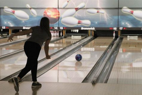 Bowling team concludes season at state competition