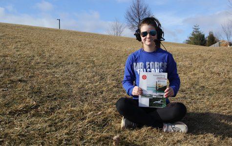 Freshman Belle Bonn takes on new experiences through flying airplanes