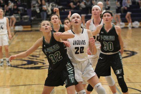 Girls basketball beats Blue Valley Southwest 53-39