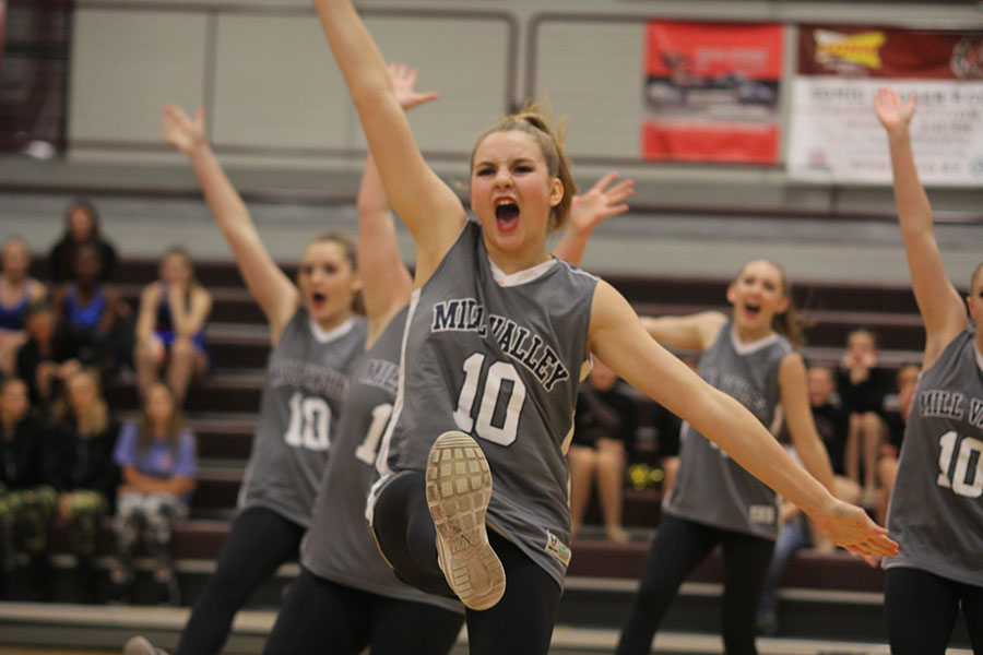 Arms+outstretched%2C+sophomore+Sydney+Ebner+performs+in+the+hip+hop+routine.+Hip+hop+placed+third+at+the+Lee%27s+Summit+North+Invitational.